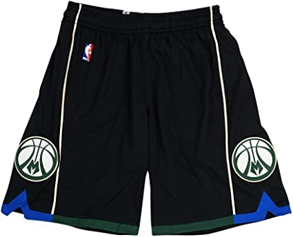adidas Milwaukee Bucks </p>                     </div> 		  <!--bof Product URL --> 										<!--eof Product URL --> 					<!--bof Quantity Discounts table --> 											<!--eof Quantity Discounts table --> 				</div> 				                       			</dd> 						<dt class=
