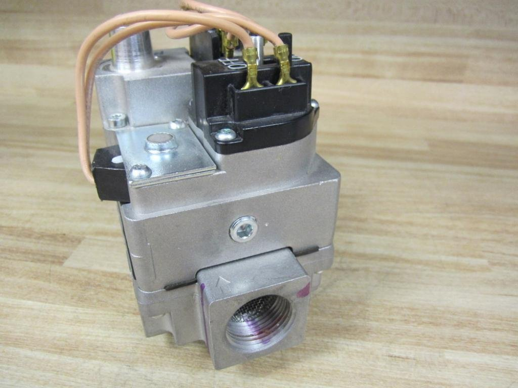White-Rodgers 36D24-901 Manifold Gas Valve 36D24901