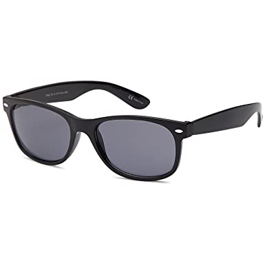 a667fb94dc2 Amazon.com  GAMMA RAY UV400 Classic Sunglasses Small - Grey Lens on Black  Frame  Clothing