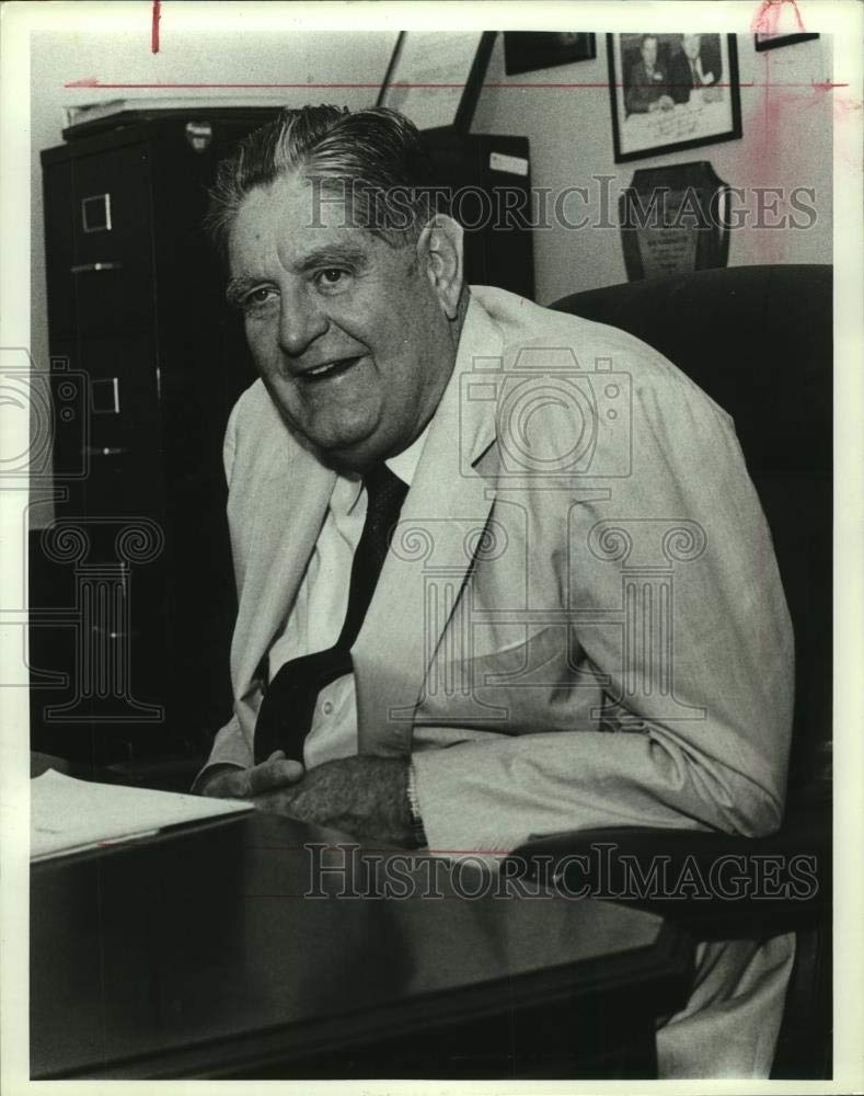 Vintage Photos 1991 Press Photo Howell Heflin at his Desk in Alabama - amra00920
