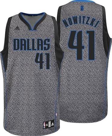 outlet store 554f9 ae1f6 Amazon.com : Adidas Dallas Mavericks NBA Dirk Nowitzki Youth ...