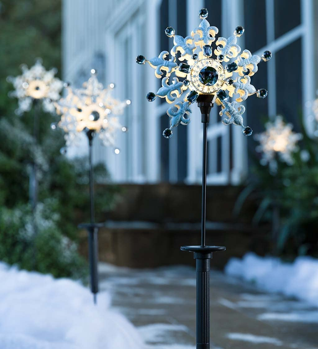 x 2.5 D x 31.5 H Set of 2-8 Dia Plow /& Hearth Solar Snowflake Stakes