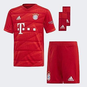 adidas Performance Kinder Fußball Set Trikot, Shorts und Socken FC Bayern München Mini Heimausrüstung Replica