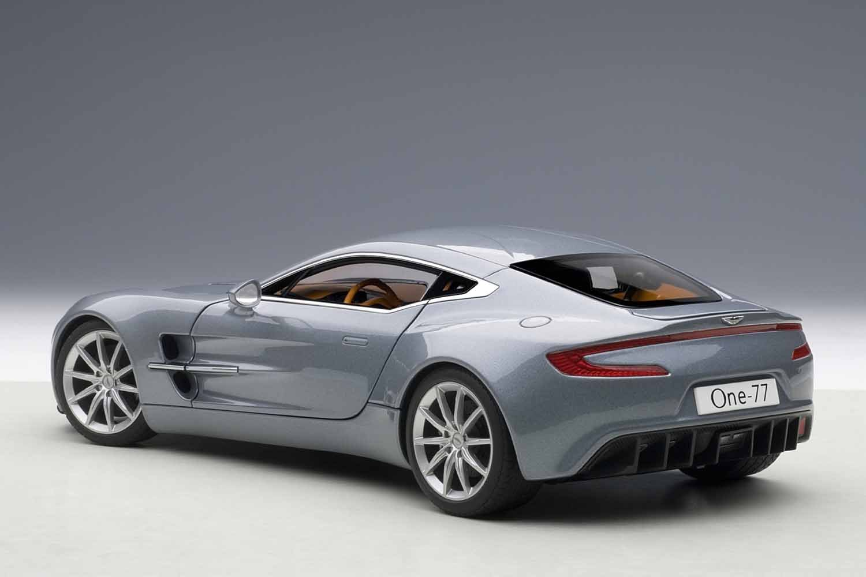 Amazon.com: AUTOart 1/18 Aston Martin ONE-77 (Blue): Toys & Games