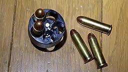 .38spl弾を模したマルシン製ガスリボの『Xカートリッジ』(画像1枚目/左)はリム径などが太いので、このスピードローダーに装着はできません。