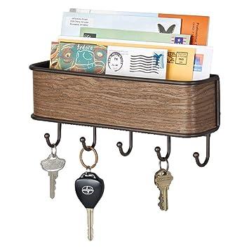 mDesign Colgador de llaves con estante para uso variado - organizador de llaves en metal resistente mate con detalles en madera de nogal - con ...