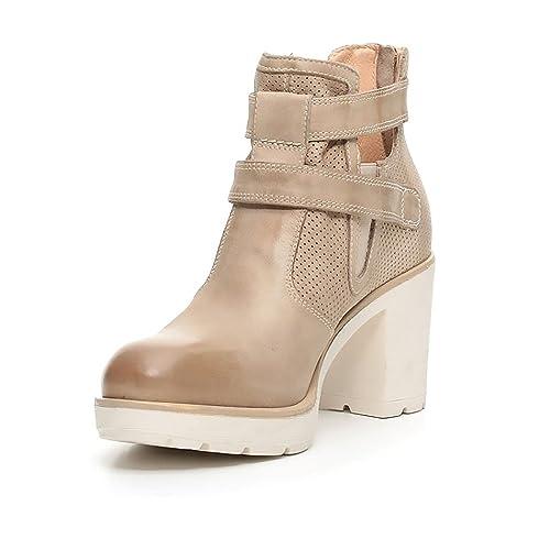 777eb78d25faa Nero Giardini Scarpe Donna Tronchetto in Pelle Champagne P717111D-439   Amazon.co.uk  Shoes   Bags
