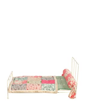 a2547f8ea5c Maileg Medium White Metal Bed and Bedding: Amazon.co.uk: Toys & Games