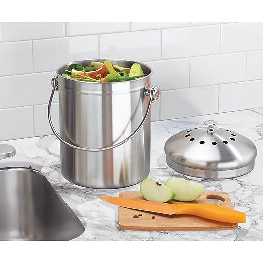 InterDesign Basic Compostador compacto de cocina con filtro de carbón, cubo de reciclaje portátil para restos de comida en acero inoxidable, ...
