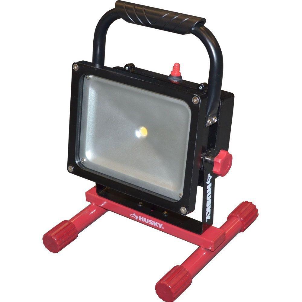 Husky K40013 Rechargeable 1000 Lumen 25-Watt LED Work Light