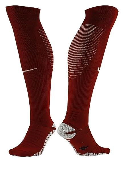 94f116996 Nike Unisex Squad OTC Soccer Socks Maroon 8-12 (M) 10-13 (W): Amazon.ca:  Clothing & Accessories