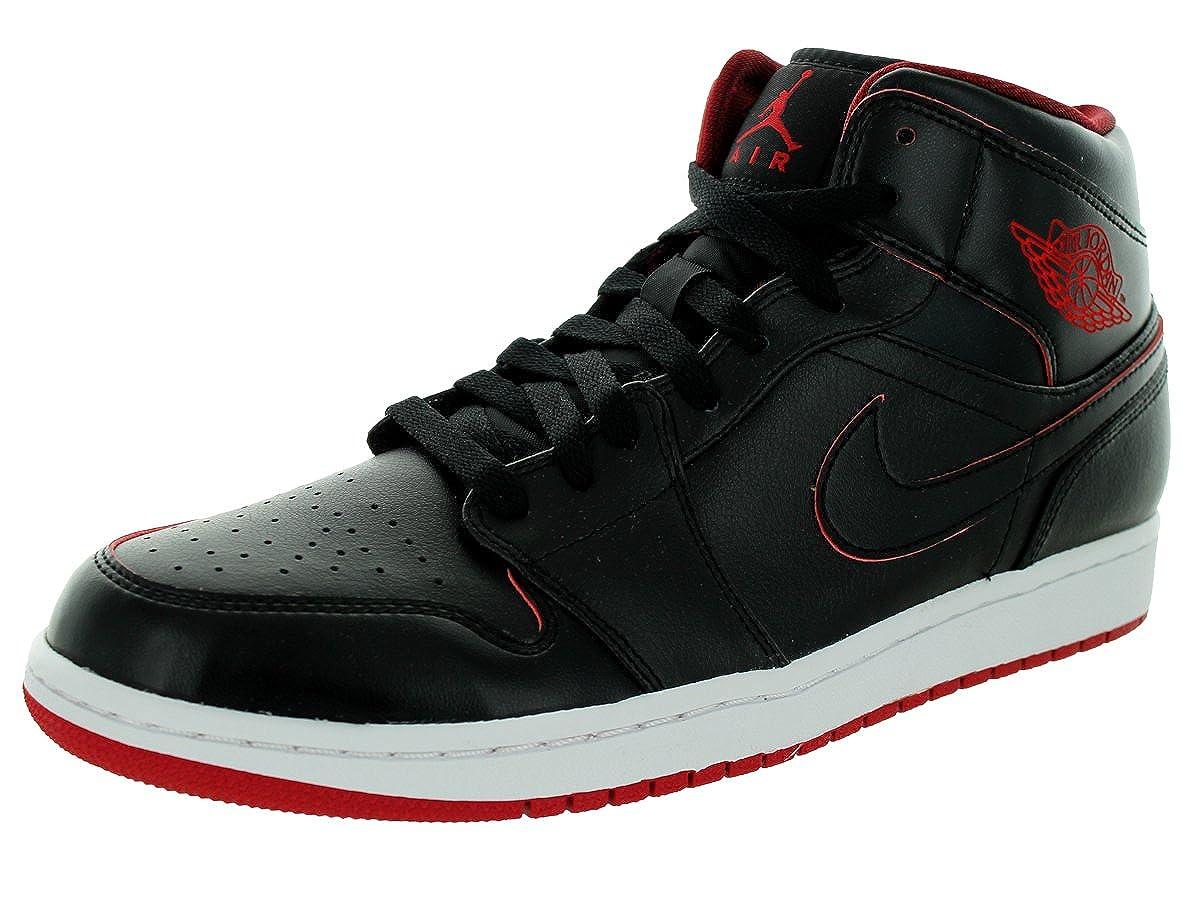 the best attitude 5b90f 66171 Amazon.com   NIKE Men s Air Jordan Retro 1 Mid Basketball Shoes Black  554724-028 (11.5)   Fashion Sneakers