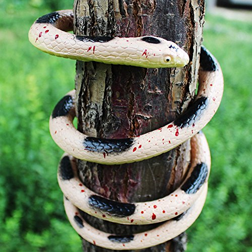 Faux Snake Toy, Giveme5 Realistic Rubber Fake Snake Toy Simulated Animal Garden Props Scary Gag Gift Funny Prank Joke Toys for Halloween Costume Party Fools Day Decoration - 52 Inch Long (Black white)]()