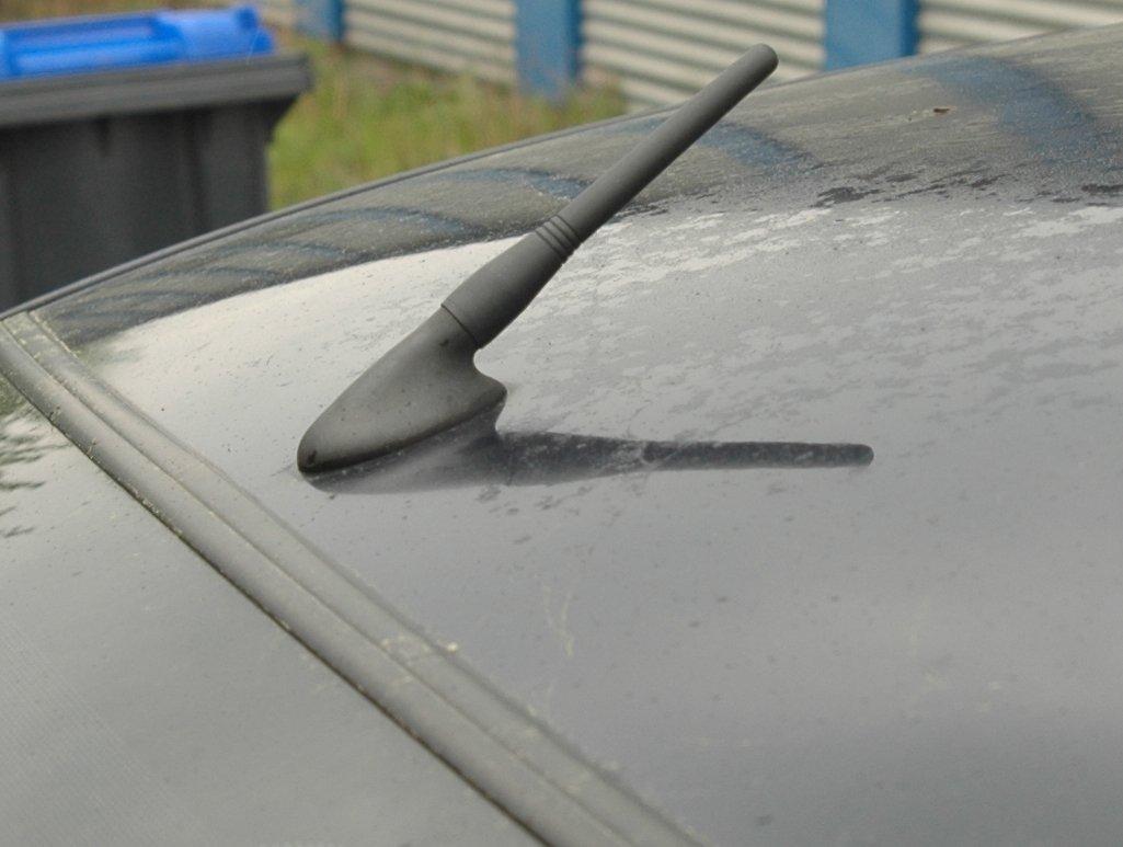 Perfekter Empfang durch Spezial Coil #0045W9# Kurzstab Antenne 16V universal f/ür jedes Auto geeignet