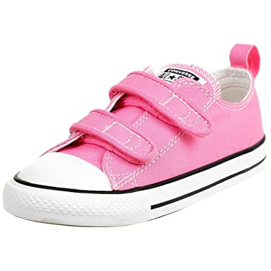 08cef86185 Converse Chuck Taylor All Star 2V Pink Textile Baby Trainers  Amazon ...