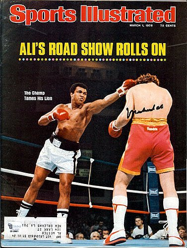 6a53167b5b1 Muhammad Ali Signed Sports Illustrated Magazine 3 1 76 - PSA DNA  Authentication - Boxing Memorabilia at Amazon s Sports Collectibles Store