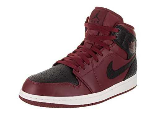 1390c2ffc288 Nike Jordan Men s Air Jordan 1 Mid Team Red Black Summit White Basketball  Shoe 12 Men US  Amazon.ca  Shoes   Handbags
