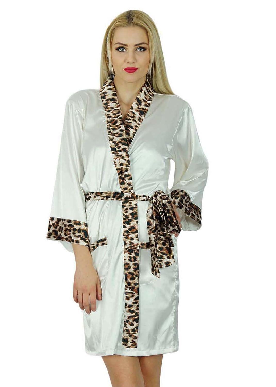 52c55c66a2 Bimba Women Short Classic Satin Robe Getting Ready Bride Bridesmaid Kimono  Sleeve Custom Robes Coverup at Amazon Women s Clothing store