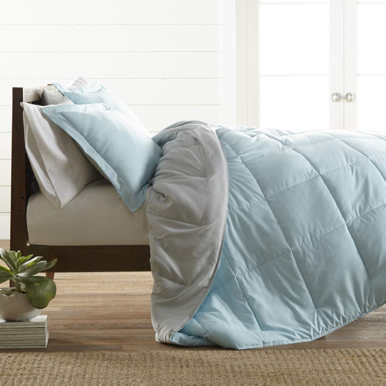 ienjoy Home Premium Down Alternative Reversible Comforter Set, Full/Queen, Aqua