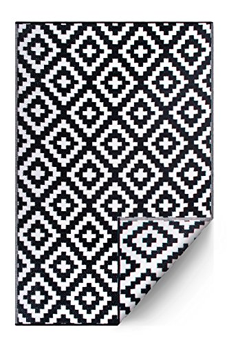 FH Home Indoor/Outdoor Recycled Plastic Floor Mat/Rug - Reversible - Weather & UV Resistant - Aztec - Black/White (4 ft x 6 ft) (Seating Covered Outdoor Area)