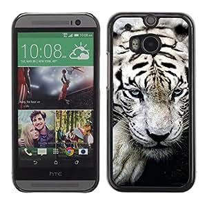 Qstar Arte & diseño plástico duro Fundas Cover Cubre Hard Case Cover para HTC One M8 ( Tiger White Big Stripes Albino Wild Blue Eyes)