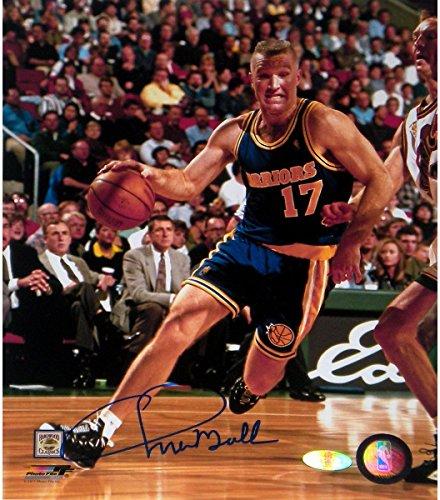 Chris Mullin Drive to Basket Right Handed Vertical 8x10 Photo (Derek Jeter Gift Baskets)