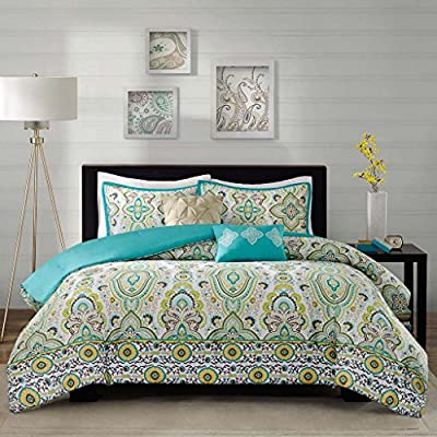 Intelligent Design Comforter Set Twin/Twin XL Green - PRODUCT FEATURES -Green 'Year Round Comforter Set', features quilted paisley pattern. Two decorative pillows feature fabric manipulation and embroidery details add value while creating a finished look for Tasia collection. PACKAGE INCLUDES- 1 comforter, 1 standard sham and 2 decorative pillows MEASUREMENTS - Comforter: 68 (W) x 90 (L) inches;  Sham: 20 (W) x 26 (L) inches+1 inch flange; Square Decorative Pillow: 16 x 16 inches; Oblong Decorative Pillow: 12 (W) x 16 (L) inches - comforter-sets, bedroom-sheets-comforters, bedroom - 61fkYHbexUL. SS400  -