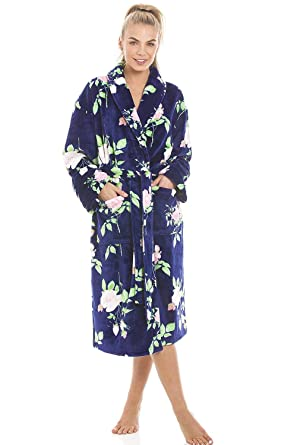 616c424d4b Camille Luxurious Navy Supersoft Fleece Light Pink Rose Print Bathrobe   Amazon.co.uk  Clothing
