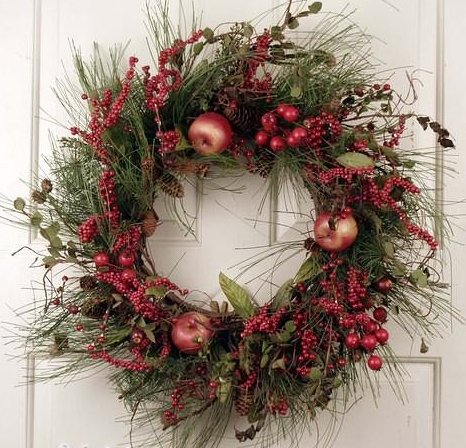 Red Berry Cluster Silk Artificial Holiday Door Christmas Wreath -22 inches- Unique Front Door Wreath Decorated With Faux Fruit and Silk Evergreens For Seasonal And Winter Holiday Outdoor - Wreath Artificial Christmas 22