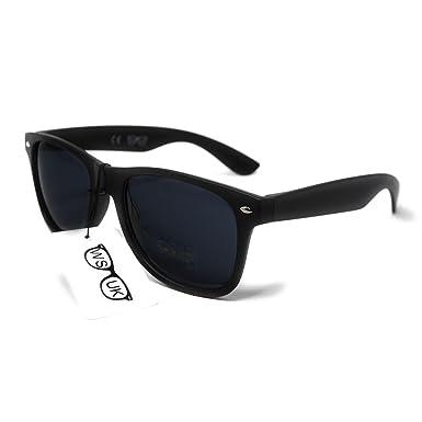 f393d7a2867 Black Lens Classic Sunglasses - Style Unisex Shades UV400 Protective Mens  Ladies (Black)  Amazon.co.uk  Sports   Outdoors
