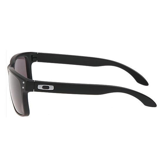 af98e06f668 Oakley Holbrook Sunglasses Matte Black OO9102 01 55  Amazon.co.uk  Clothing