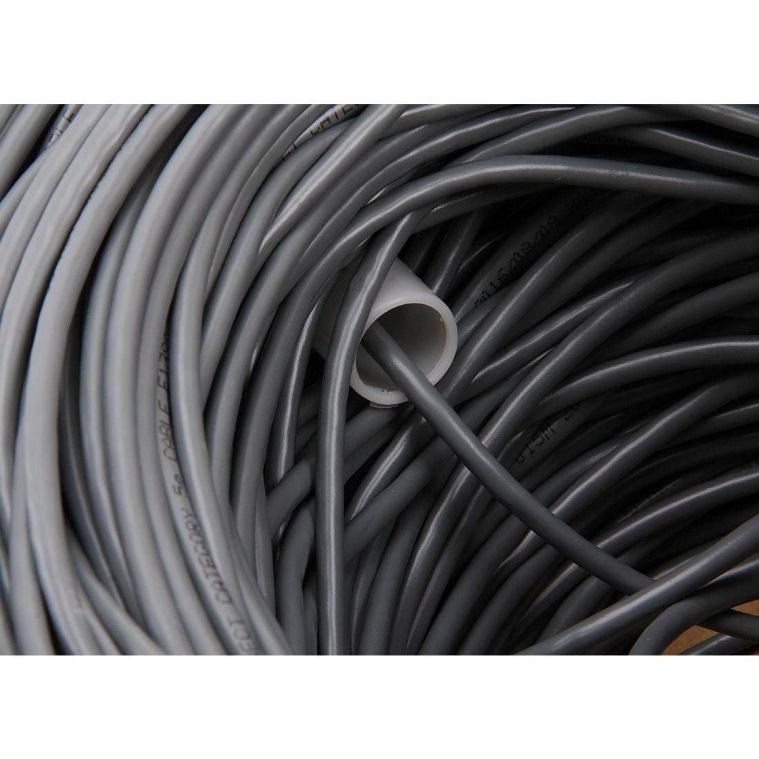 Diameter: 0.5mm Network Cables Copper Computer Cables LAN Cable CAT5E Data Cable Length: 305m SKU : S-PC-0710B
