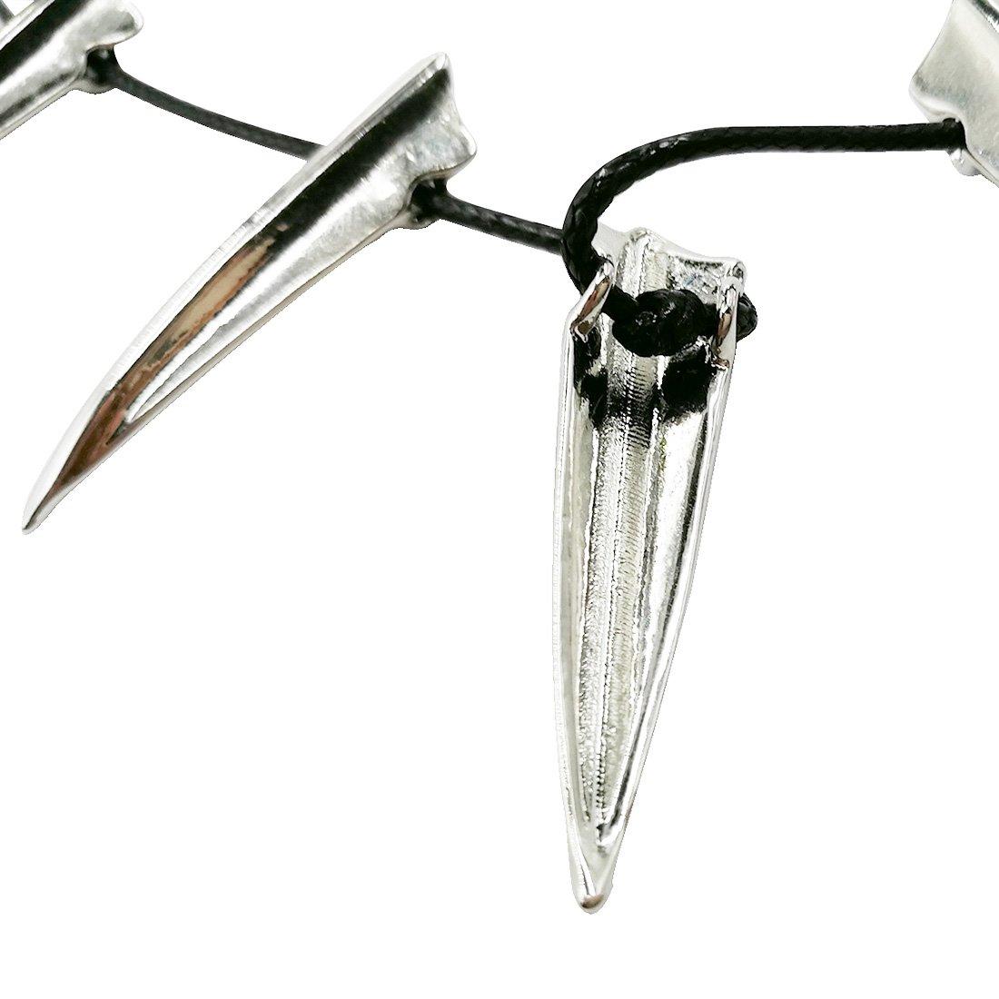 Collier noir avec pendentif en forme de pique de la marque Cosplay