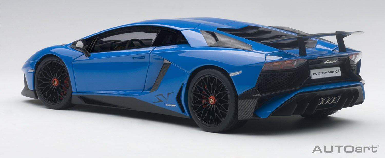 Amazon.com: Lamborghini Aventador LP750-4 SV Blue Le Mans/ Blue 1/18 ...
