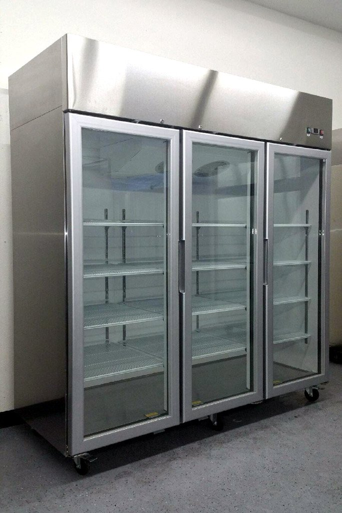 "78"" 3 Door Commercial Reach In Glass Front Refrigerator Merchandiser, MCF-8603, Stainless Steel, with LED lighting, for Restaurant"
