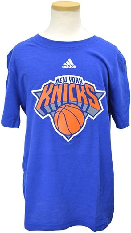 Modernización radioactividad de acuerdo a  Amazon.com : adidas New York Knicks Youth NBA Team Logo Blue T-Shirt :  Sports Fan T Shirts : Clothing