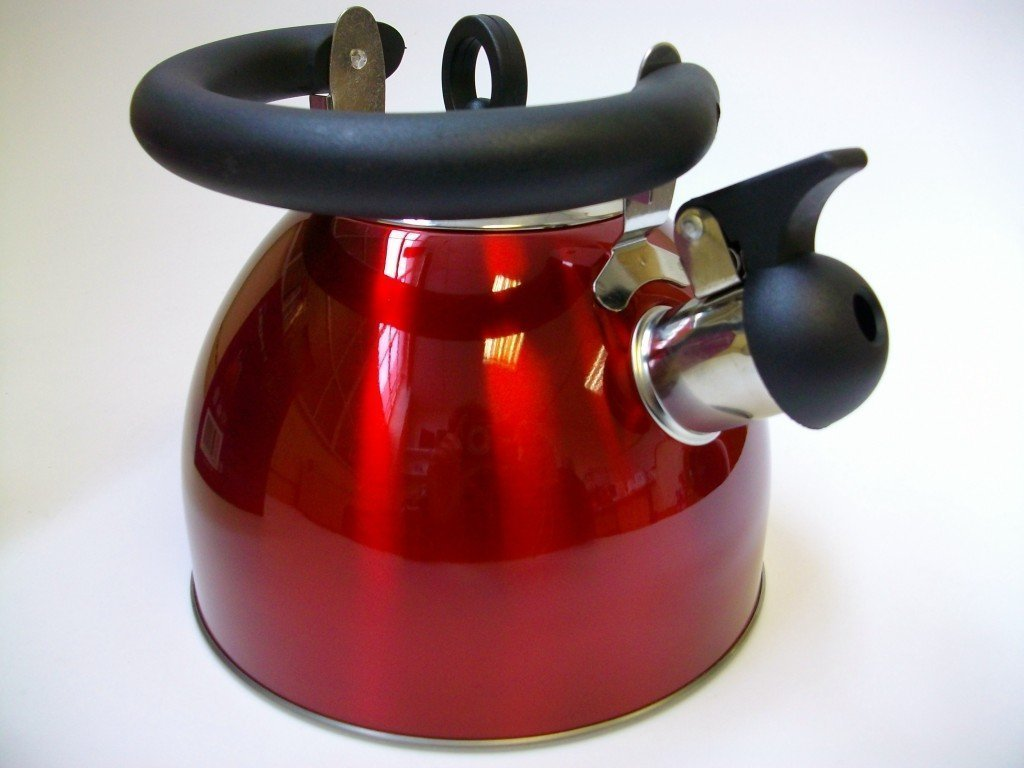 2.5 Litre Whistling kettle - Red - Folding handle