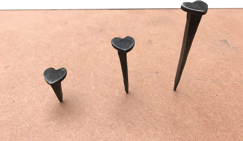 Clavos negros en forma de corazón forjado a mano de hierro forjado negro cera, puerta de madera