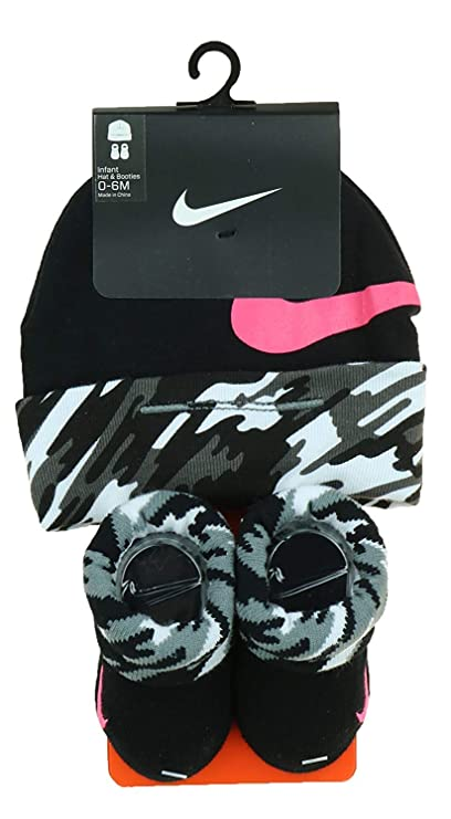 df4bf9e6b0e Image Unavailable. Image not available for. Color  Nike Girls 2-Pack Infant  Booties and Hat 0-6 Months