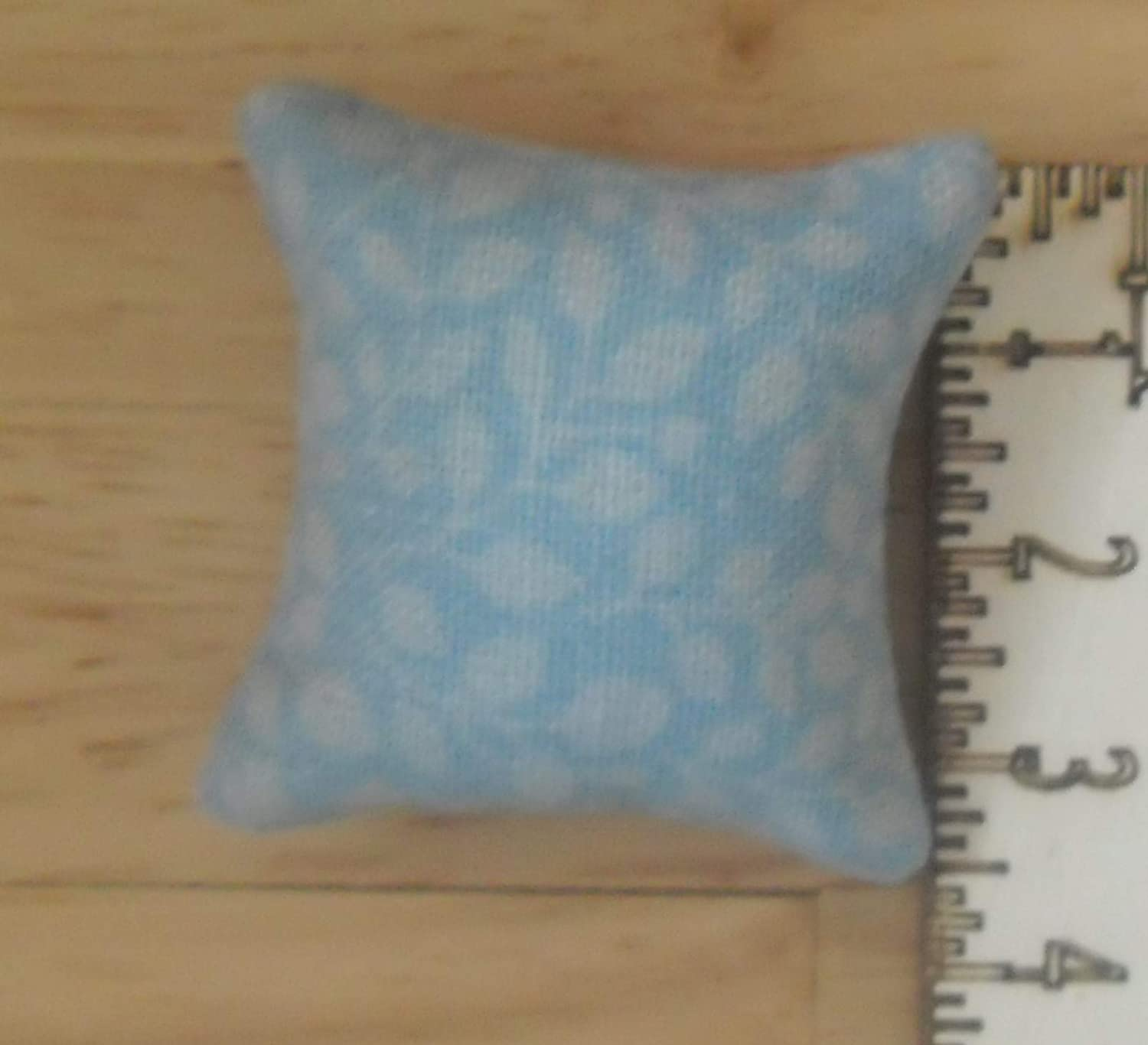 1//12th Scale Dolls House Blue Cushions White Floral Pattern