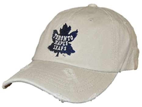 2ee0770eb74 Amazon.com   Retro Toronto Maple Leafs Brand Beige Worn Vintage ...
