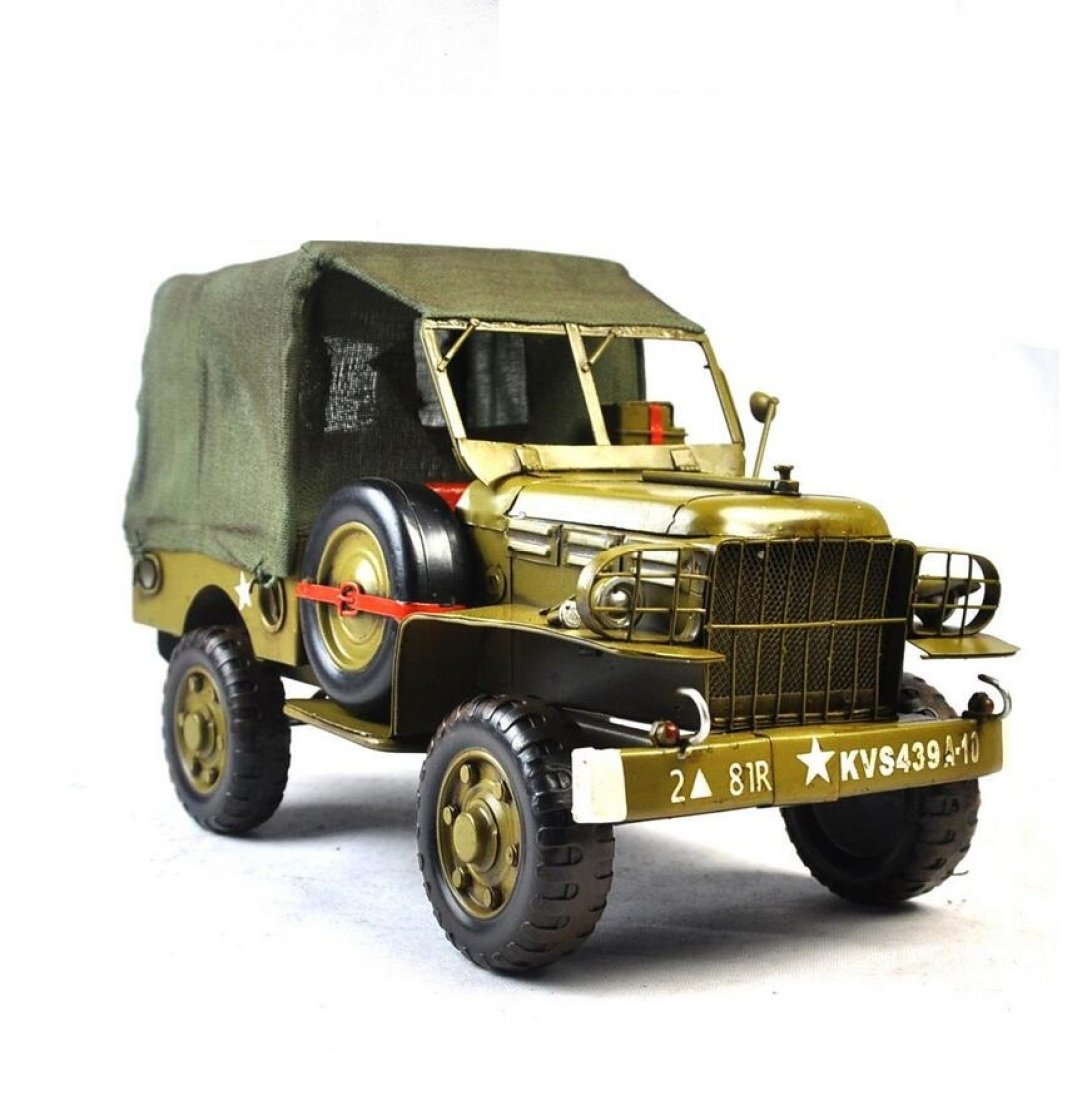 GL&G Retro Sheet metal car model Decoration green military Car model Crafts Collectible Vehicles High-end Business gift office bar Tabletop Scenes Ornaments Keepsakes,351721cm by GAOLIGUO