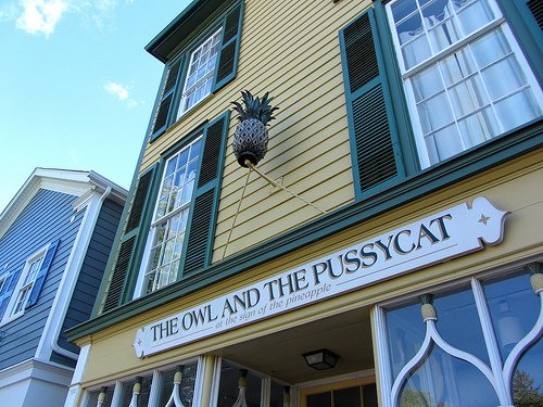 Photo: The Owl and the Pussycat at the sign of the pineapple