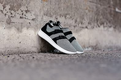 9a4893756820 NIKE Air Sock Racer Ultra Flyknit 898022-004  Amazon.co.uk  Shoes   Bags