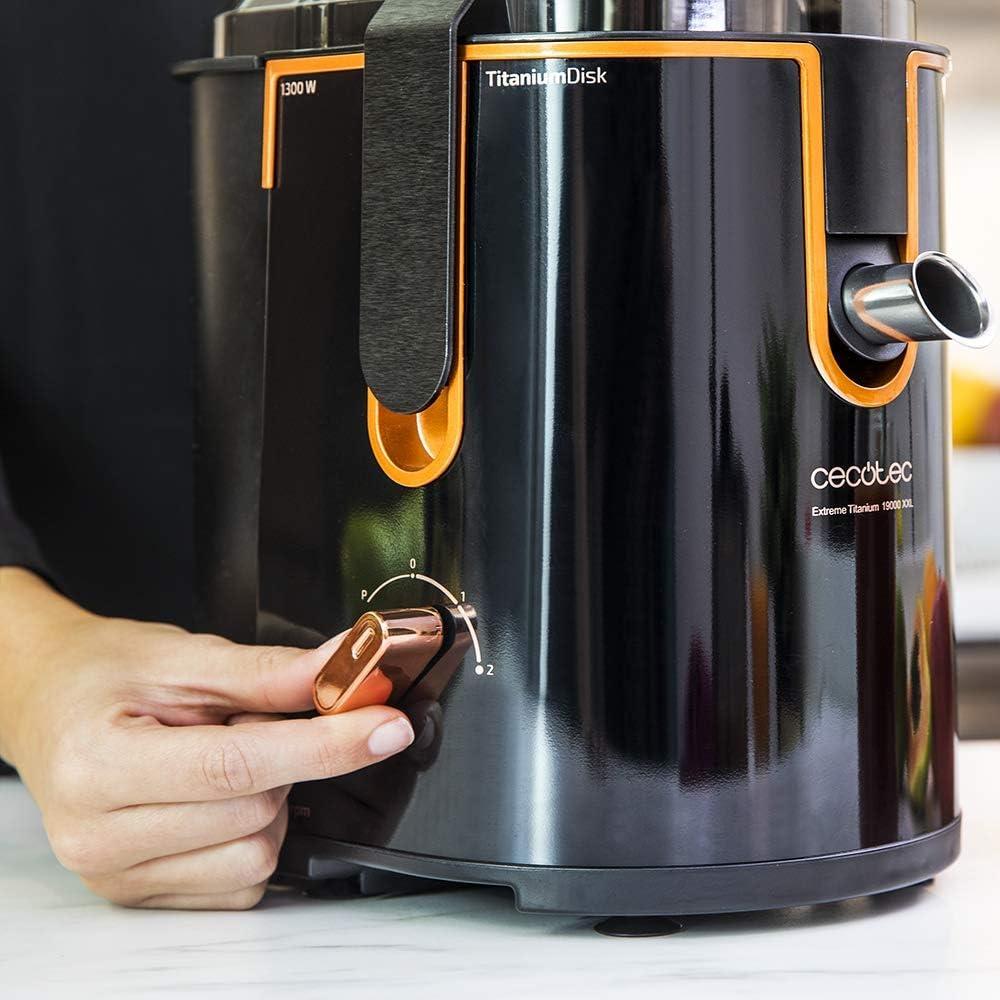 Cecotec Licuadora ExtremeTitanium 19000 XXL Para Frutas y Verduras, con 19000 rpm, 1300 W, Canal Entrada XXL 75 mm, Disco Titanio, 2 Velocidades y Libre de BPA.: Amazon.es: Hogar