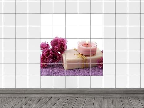 Piastrelle adesivo piastrelle immagine fiori rosa e un tè luce su