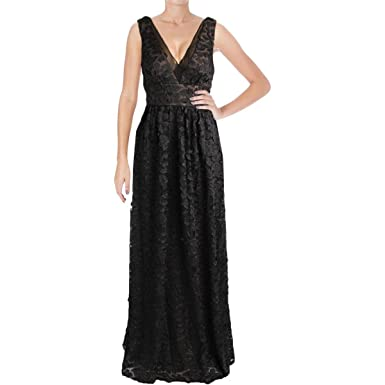 34c878435ad Vera Wang Women s Floral Applique Ball Gown at Amazon Women s ...