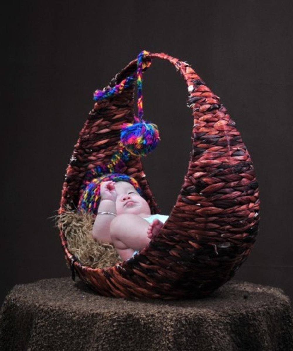 AiXiAng Handmade Circle Moon Style Basket for Newborn Baby Infant Photography Props