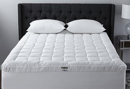 ebba3be093e0 Amazon.com  Live Comfortably Cuddlebed Down Alternative Mattress ...