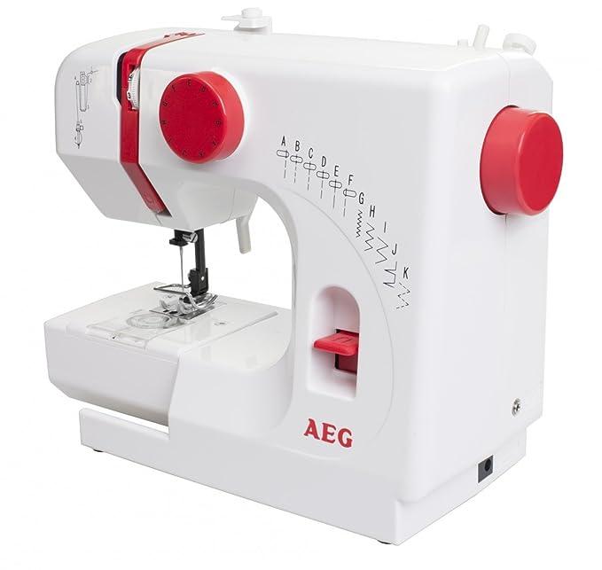 Mini Nähmaschine AEG NM100 - 11 Nähprogramme: Amazon.de: Küche ...